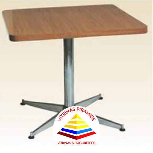 Mesa madera base tubo muebles de oficina vitrinas for Muebles de oficina guayaquil